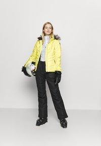 Icepeak - VIDALIA - Skijakke - yellow - 1