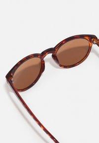 Zign - 2 PACK - Sunglasses - black/brown - 1