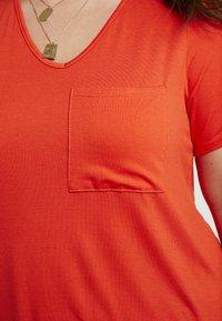 Dorothy Perkins Curve - V POCKET TEE - T-shirts - orange - 4