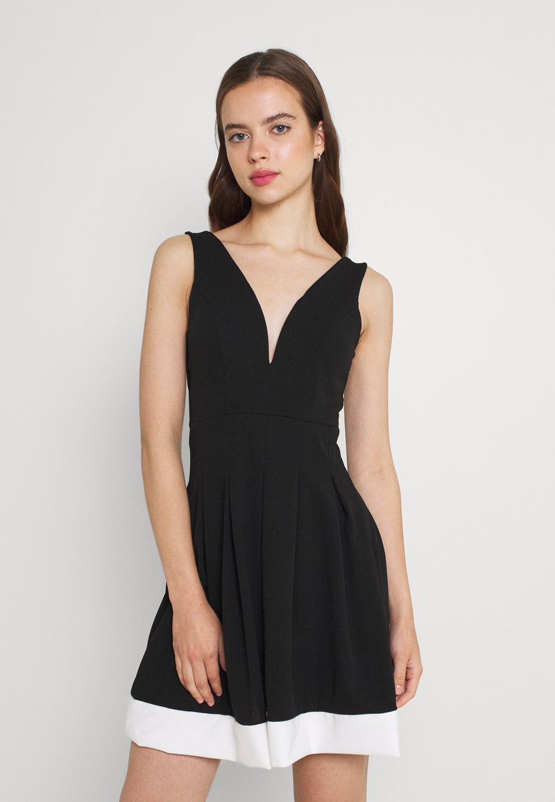 WAL G. - TILULA SKATER DRESS - Denní šaty - black/white