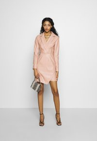 NA-KD - BLAZER DRESS - Cocktailkjoler / festkjoler - dusty pink - 2