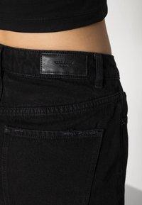 Vero Moda - VMNINETEEN MIX - Short en jean - black - 4