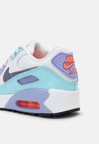 Nike Sportswear - AIR MAX 90 LTR SE 2 GS UNISEX - Sneakers laag - white/copa/dark purple/dust/light thistle - 6
