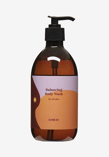 BALANCING BODY WASH - Docciaschiuma - -