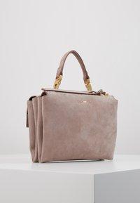Coccinelle - ARLETTIS  - Handbag - pivoine - 3