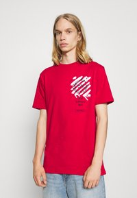 274 - WEST TEE - Print T-shirt - red - 0