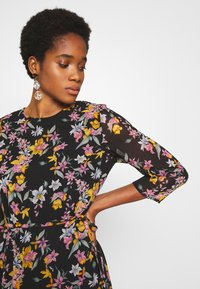 Pieces - PCNANNA TIEBELT DRESS - Sukienka letnia - black - 3