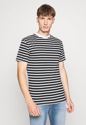 PORTER TEE - Print T-shirt - white