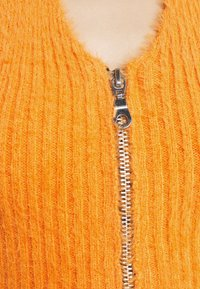 The Ragged Priest - BUGHALTER - Top - orange - 5