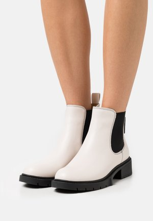 LYDEN BOOTIE - Platform ankle boots - chalk