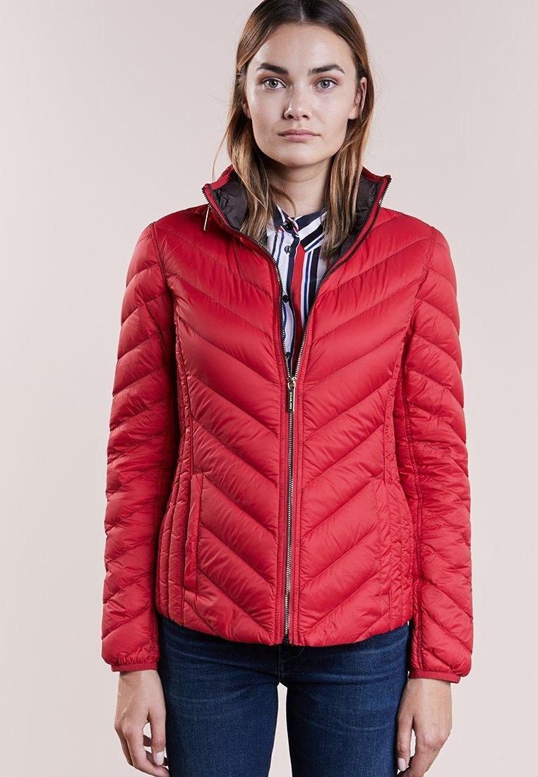 MICHAEL Michael Kors - SHORT PACKABLE PUFFER - Down jacket - red
