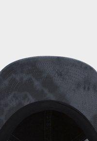 Cayler & Sons - Cap - black tiedye/purple - 3