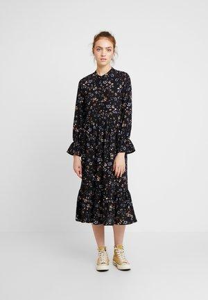 VMMYRANDA DRESS - Košilové šaty - deep well/myranda