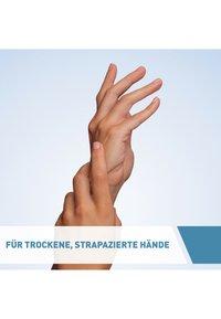 CeraVe - BODY CARE REGENERIERENDE HANDCREME FÜR EXTREM TROCKENE, RAUE HÄN - Hand cream - - - 3