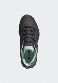 adidas Performance - TERREX AX3 GTX SHOES - Baskets basses - grey - 2