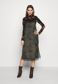 AllSaints - SKY STRENGTH DRESS - Kjole - khaki/green - 2