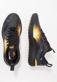 Vans - ULTRARANGE EXO - Trainers - black/yellow - 1