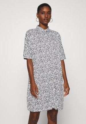 Skjortekjole - white/black