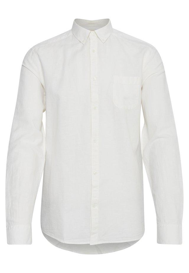 KASSIDY - Vapaa-ajan kauluspaita - off white