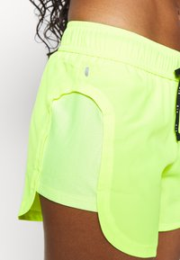 Nike Performance - AIR SHORT - Pantalón corto de deporte - volt/volt/black - 3