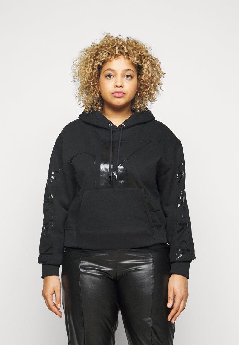 Calvin Klein Jeans Plus - ECO - Hoodie - beh