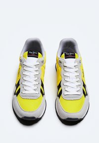 Pepe Jeans - BRITT MAN BASIC - Sneakers - ocre - 1