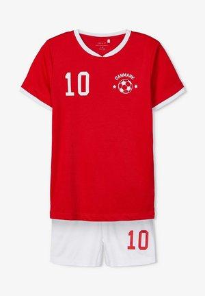 NKMHATEAM SHORT SET - Shorts - true red