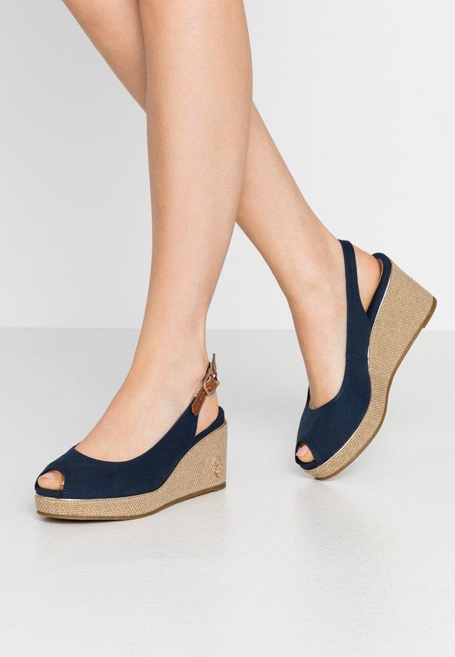 VICTORIA - Korkeakorkoiset sandaalit - dark blue
