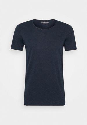 JJDETAIL TEE U NECK - Basic T-shirt - navy blazer