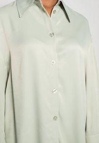 EDITED - OAKLYN BLOUSE - Button-down blouse - desert sage green - 4