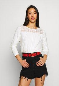 Vero Moda - VMJASMIN - Camiseta de manga larga - snow white - 0