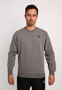 sergio tacchini - BUTCH CREW  - Sweatshirt - dgreym/blk - 0