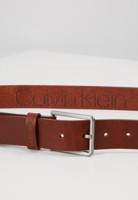 Calvin Klein - ESSENTIAL BELT - Pásek - brown - 2