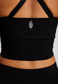 Free People - GOOD KARMA CROP - Top - onyx - 5