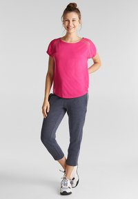 Esprit Sports - MIT NETZ-EINSATZ - Print T-shirt - pink fuchsia - 1