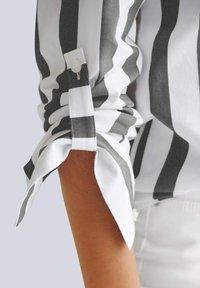 Alba Moda - Button-down blouse - schwarz weiß - 4