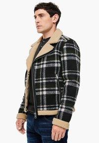 QS by s.Oliver - Blazer jacket - black check - 6