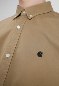 Carhartt WIP - MADISON SHIRT - Shirt - leather/black - 3