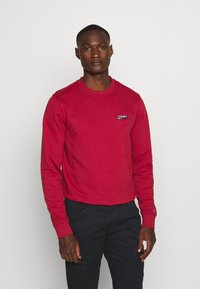Tommy Jeans - TJM WASHED CORP LOGO CREW - Sweatshirt - wine red - 0