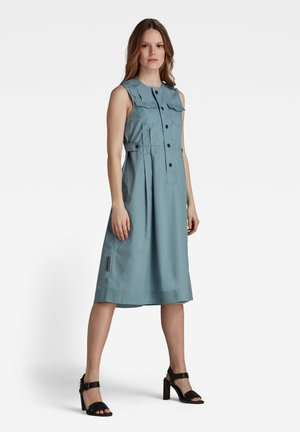 FIT AND FLARE - Shirt dress - light bright nickel
