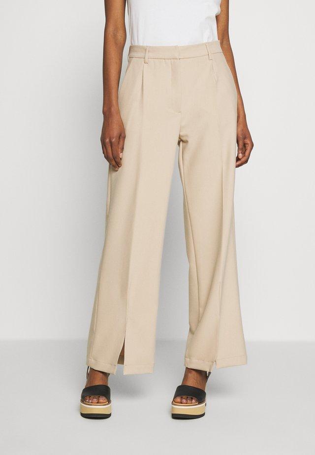 CINDY NATIMA PANT - Pantalones - light sand
