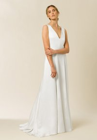 IVY & OAK - Společenské šaty - pearl - 0