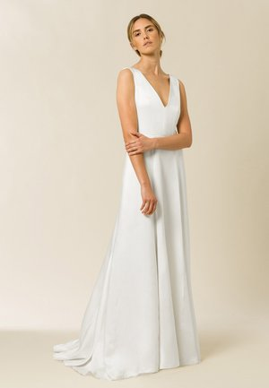 Occasion wear - pearl