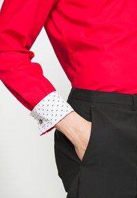 HUGO - KOEY - Formal shirt - red - 3
