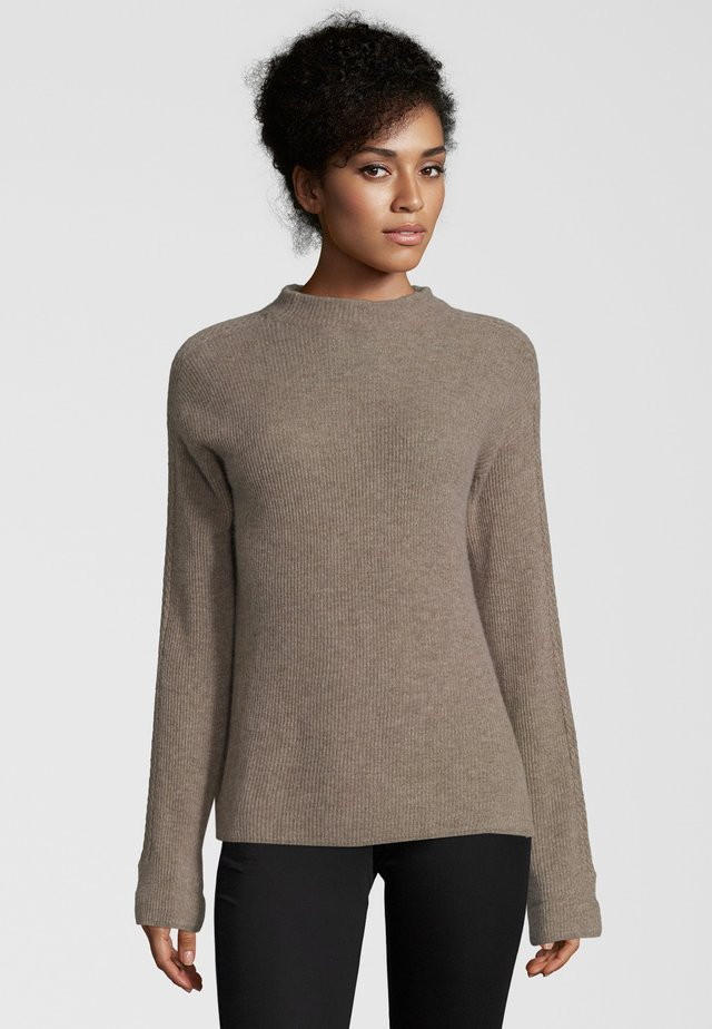 MIT ZOPFMUSTER - Jumper - taupe