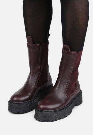 COMMAND  - Platform ankle boots - bordeaux