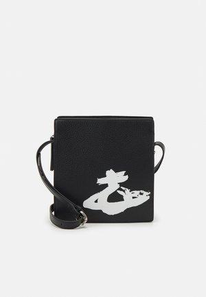 MELIH SQUARE CROSSBODY UNISEX - Across body bag - black/white