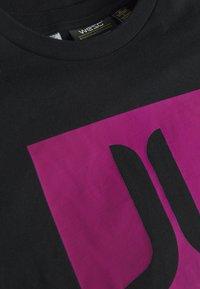 WeSC - T-shirt imprimé - black - 2