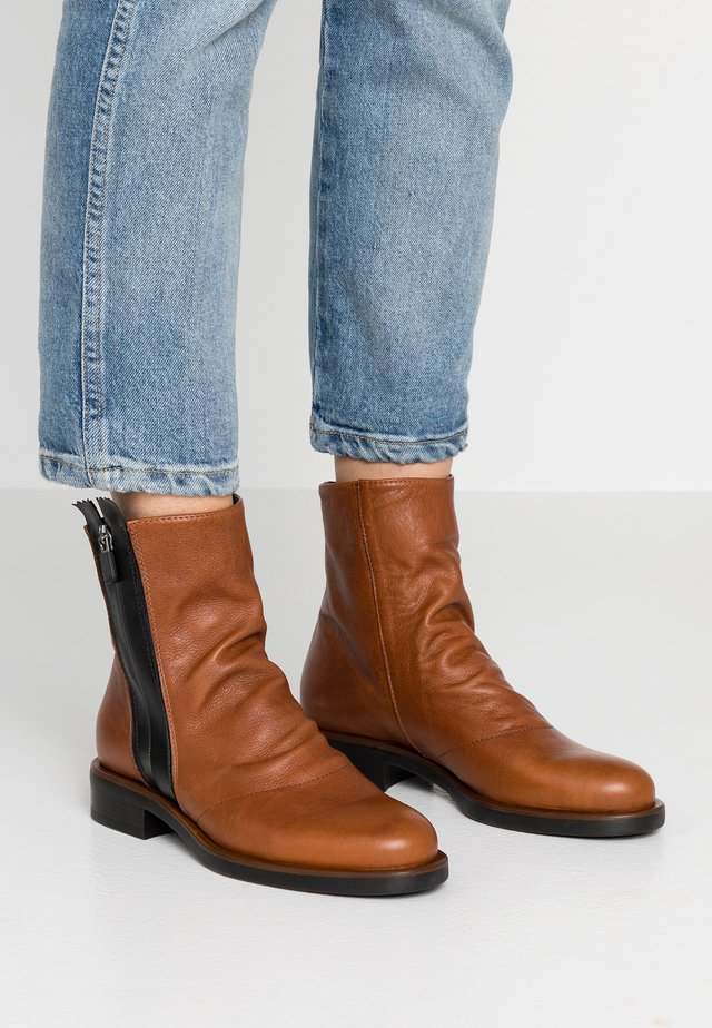 VIENNA - Classic ankle boots - twister siena