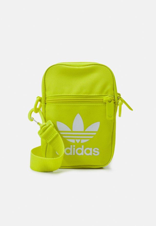 FEST BAG TREF UNISEX - Across body bag - acid yellow